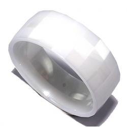 Bague céramique facettée 7mm T P/M/G blanche