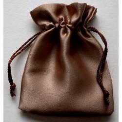 Lot de 144 pochettes satinees marron 9x10 cm