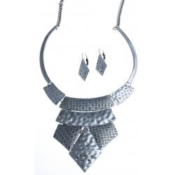 Parure fantaisie  - collier vieil argent  - 41+7 cm + boucles d'oreille assortie