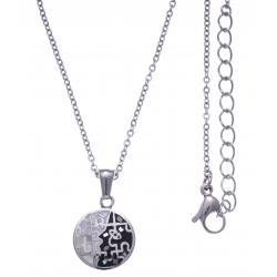Collier en acier - nacre - émail - petit volume - diamètre 1,5cm - longueur 38+5cm
